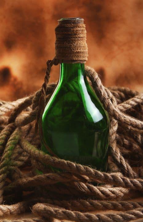 Само название «виски» в переводе с шотландского обозначает «вода жизни», так что его называют «живой водой».